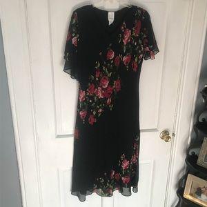 Flowey floral rose dress.